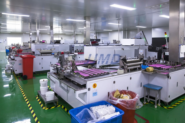 FULLY AUTOMATIC ASSEMBLING WORKSHOP OF HYPODERMIC NEEDLES